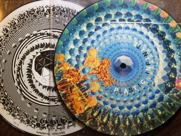 Sculpture Plastic Infinite Colored Vinyl