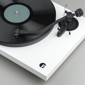 Pro-Ject Debut III S Audiophile image gallery